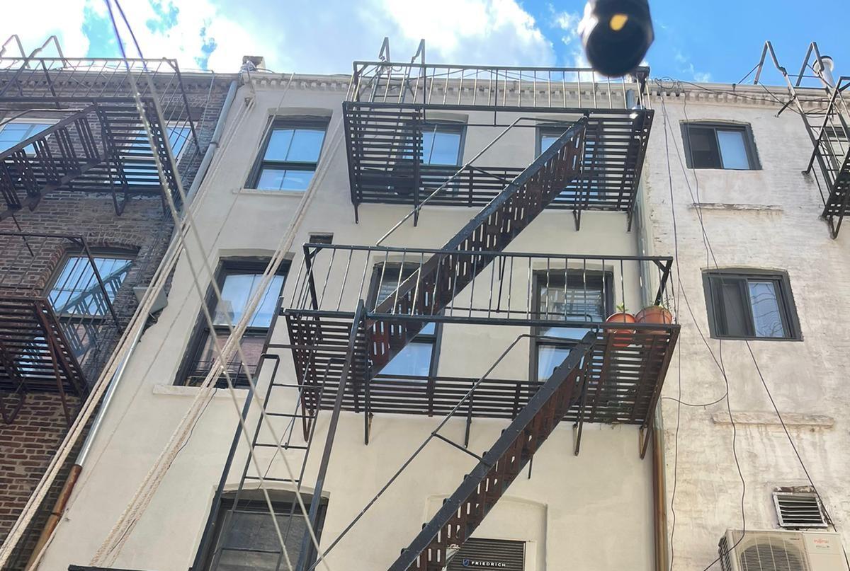 PARAPET & FACADE REPAIR NEW YORK CITY